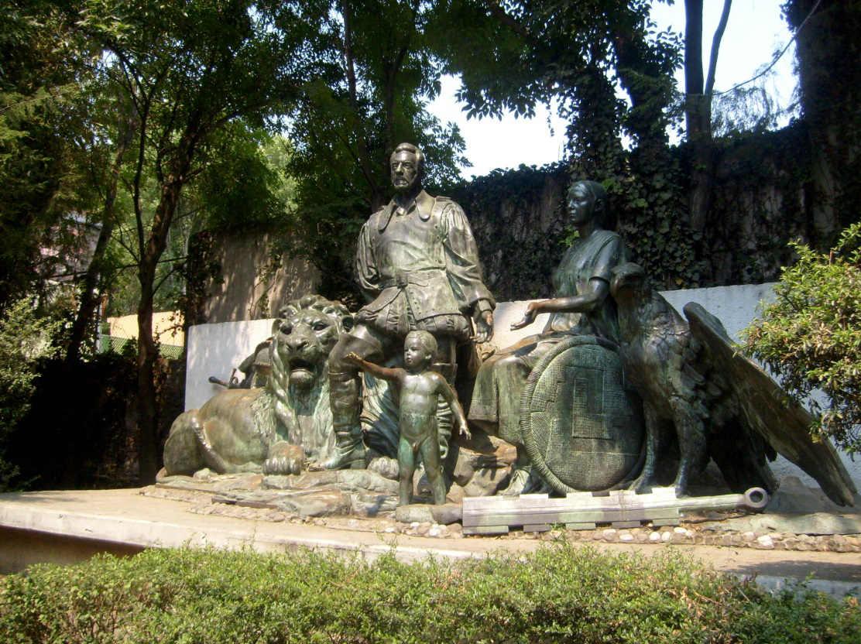 Monumento al Mestizaje.